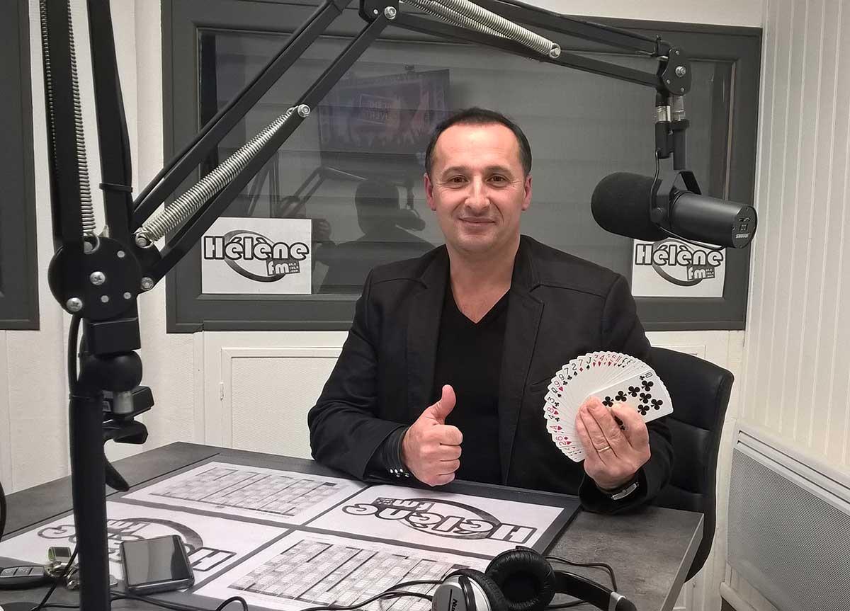 Scène ouverte avec le magicien-illusionniste Tony Herman de La Rochelle